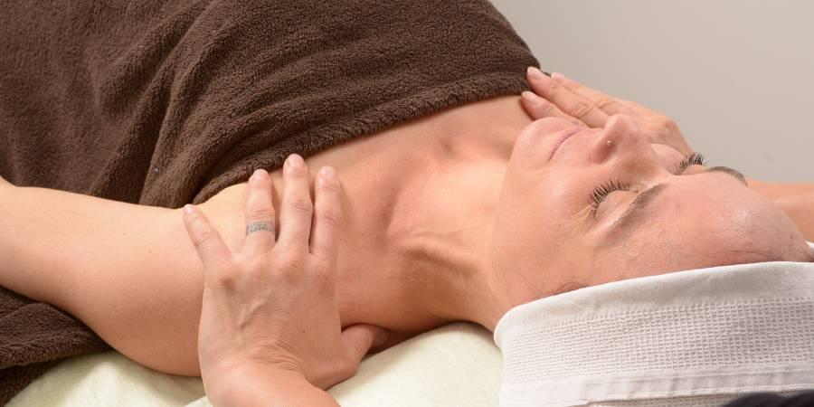 massage aigues mortes